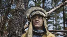 Sebas lleva a EL ESPAÑOL a una zona que ardió en Galicia en los últimos días. Allí cuenta sus más de treinta años de experiencia.