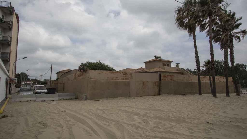 Chalet-fortaleza usada por los traficantes de droga como centro de operaciones. Está ubicada en la playa de Palmones.