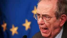 El ministro de Finanzas italiano, Pier Carlo Padoan, durante el anuncio del rescate