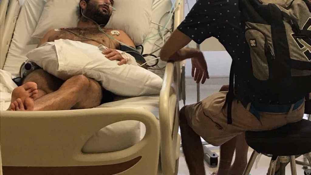 Cristian Bosco, en una cama en el hospital de Bali.