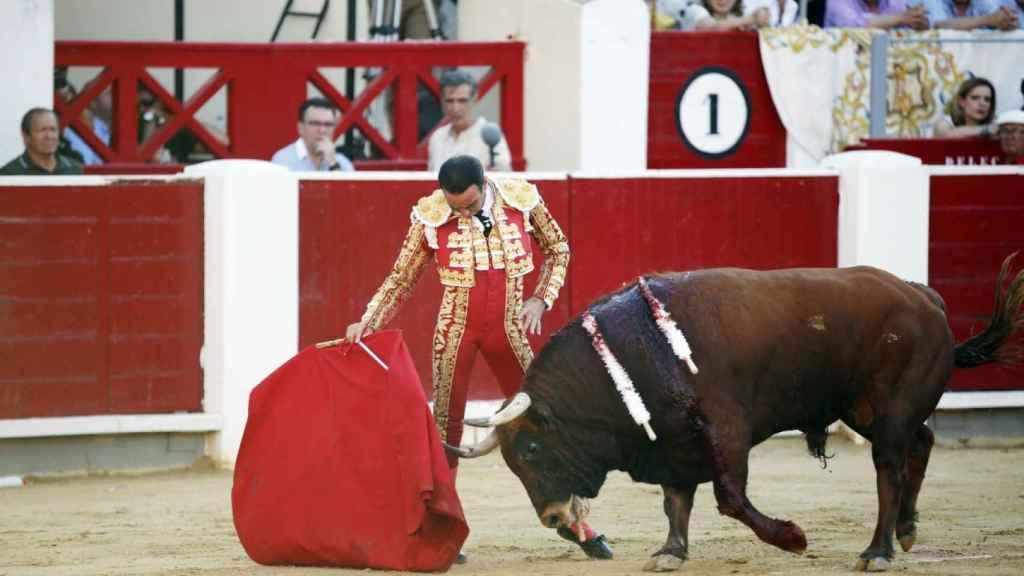 Enrique Ponce en la plaza de toros de Albacete.