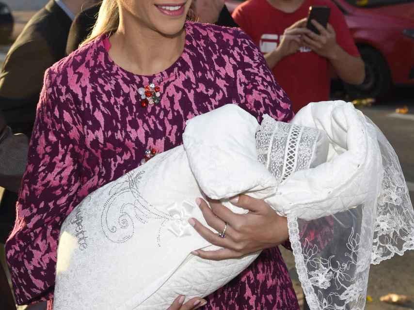 Gorro tuvo a su primera hija mediante gestación subrogada y ahora está embarazada.