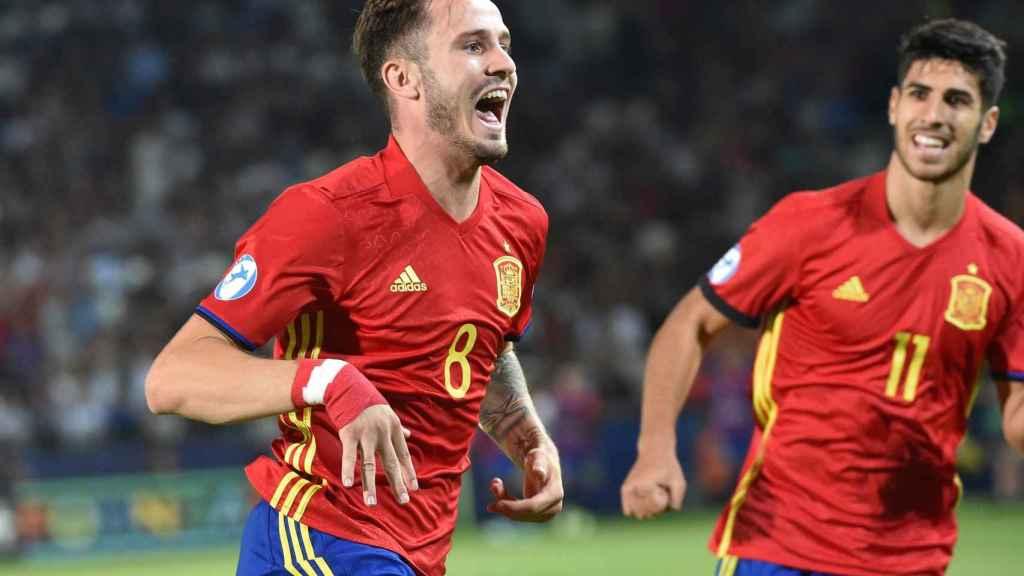 Saúl celebra uno de sus tres goles a Italia.