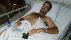 Cristian, en su cama del hospital de Bali