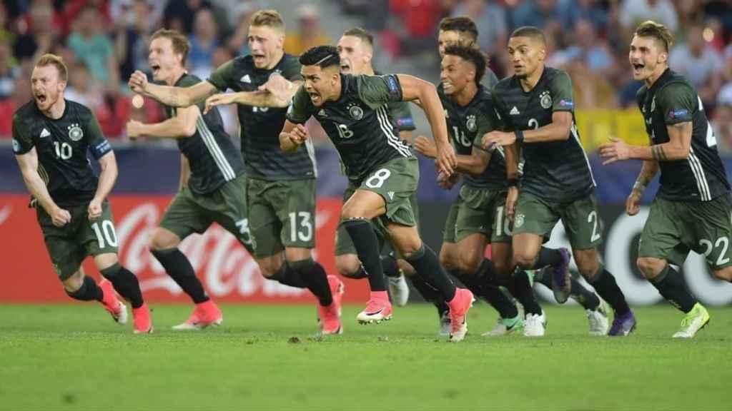 Los jugadores de Alemania celebran el pase a la final.