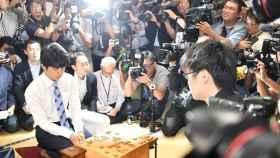Sota Fujii, durante su partido de shogi.