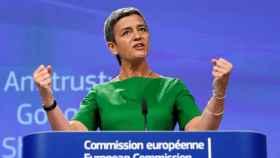 La comisaria de Competencia, Margrethe Vestager, dice que Google perjudica a los consumidores