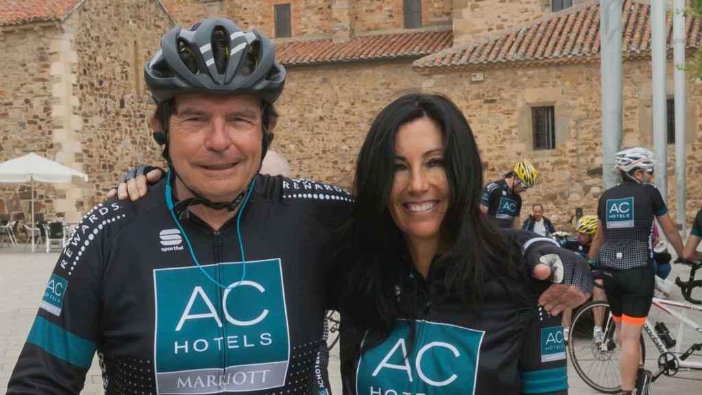 Antonio Catalán , presidente de AC Hoteles y Eva Fernández, consejera delegada de El Español.