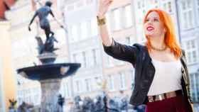 Una turista se hace un selfie