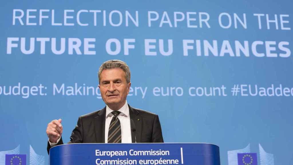 Bruselas estudia recortar ayudas europeas por el agujero de 10.000 millones anuales del 'brexit'