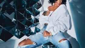 Rihanna está pasando unos días de vacaciones en Ibiza.
