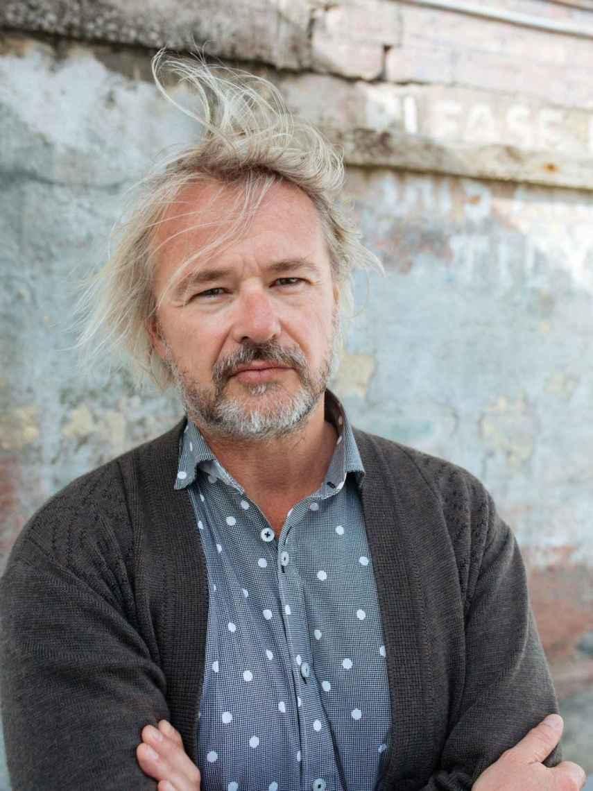 El autor de La milla invisible, David Coventry.