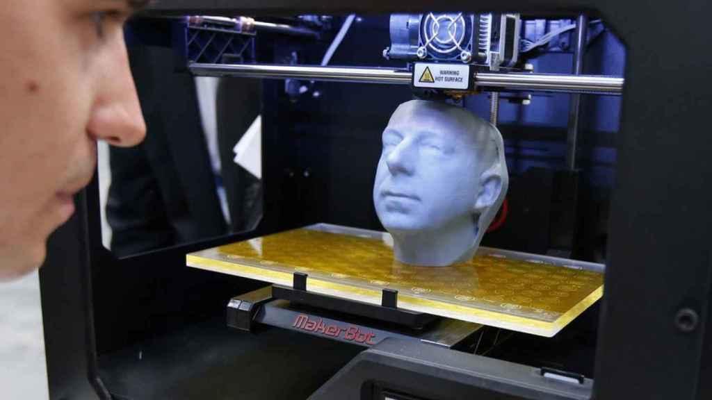 Réplica de una cabeza hecha en 3D.