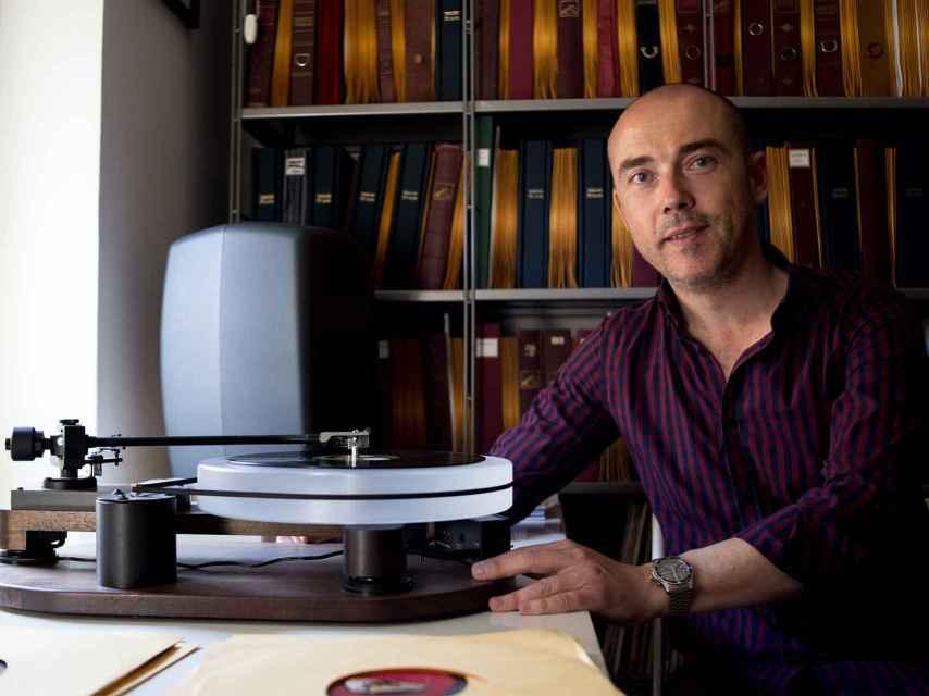 Carlos Martin Ballester tiene centenares de grabaciones sobre la época franquista.