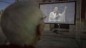 Antonio ve una ópera por primera vez en su vida. Tiene 100 años.