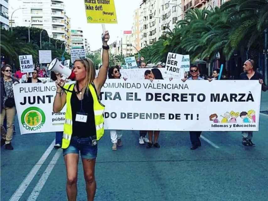 Kristin durante una manifestación en favor del derecho a estudiar en español en Alicante
