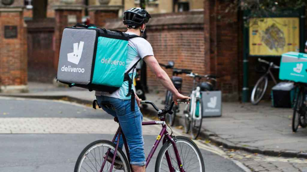 Un 'rider' o repartidor de Deliveroo.