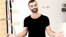Pedro en una foto publicitaria de su nueva aventura empresarial, Aunion Therapy Studio.