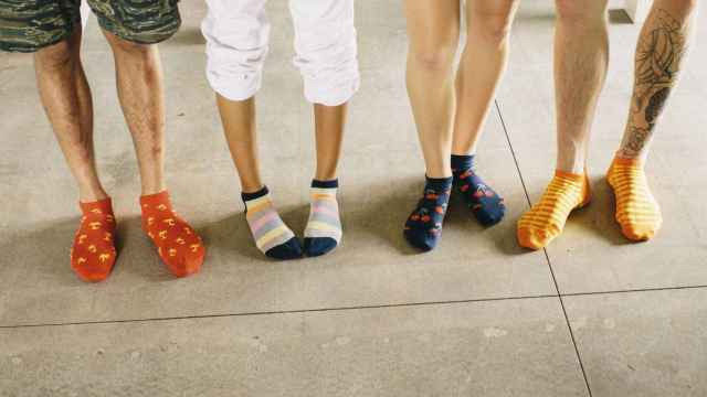 Sus diseños atractivos y coloridos los han convertido en pieza fundamental de cualquier look, símbolo de estilo y tendencia. | Foto: Happy Socks.
