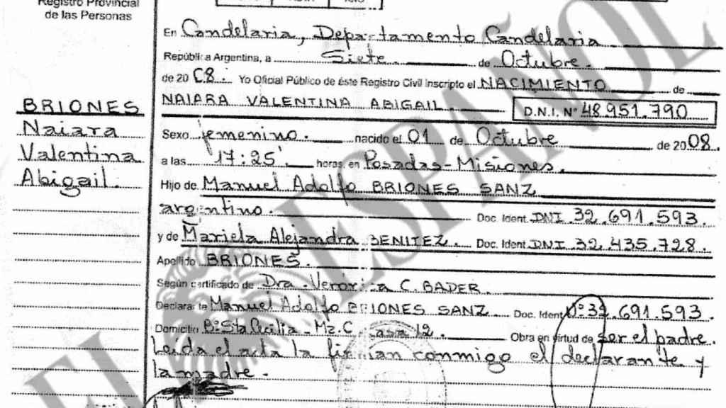 Partida de nacimiento de Naiara. Confirma que es argentina, como sus padres biológicos, Manuel y Mariela Alejandra.