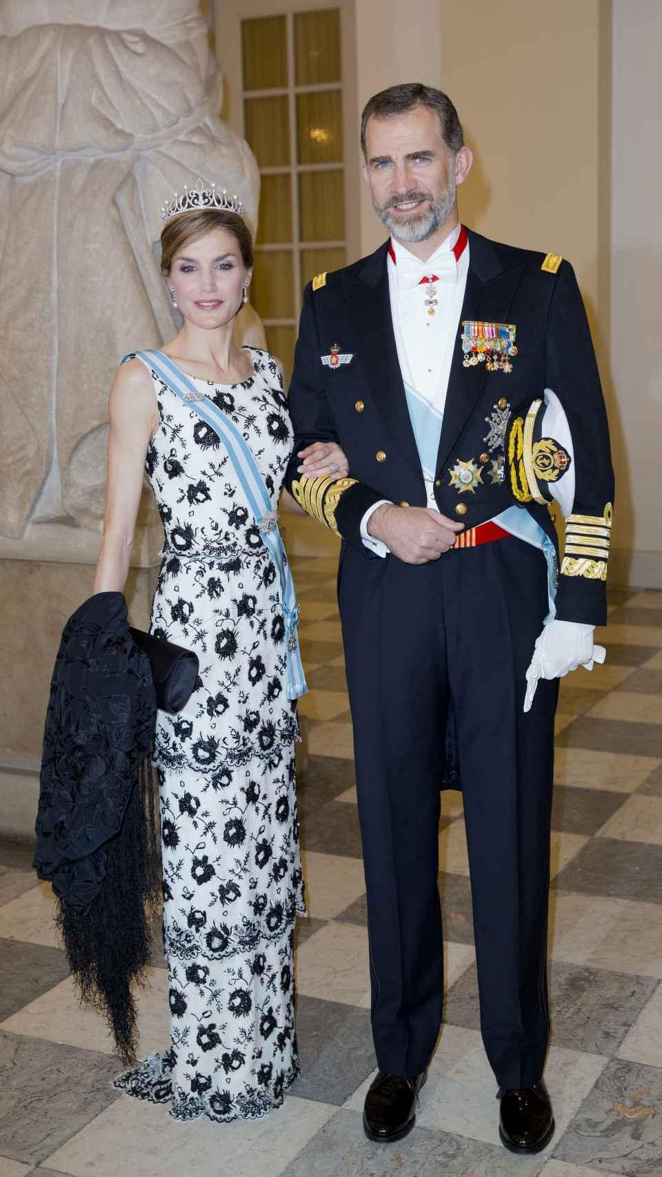 El rey Felipe VI y Letizia en el cumpleaños de Margarita de Dinamarca, 2015.
