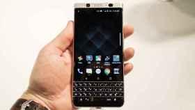 La BlackBerry KeyOne arregla su pantalla, pero no lo sabrás al comprarlo