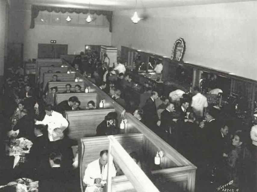 El interior del restaurante Caesar, en Tijuana.