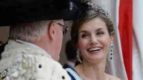 La reina Letizia durante el acto con el alcalde de Londres.