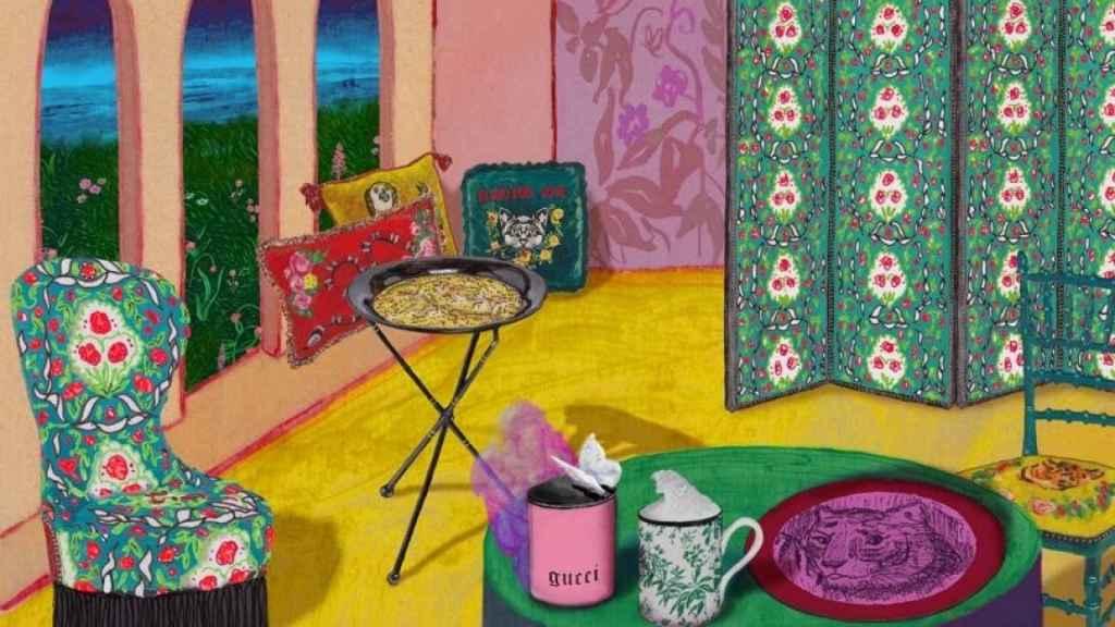 Desde sillas a biombos, tazas o cojines; Gucci busca llenar tu casa con su estética. | Foto: Gucci.