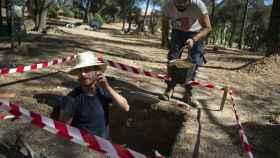Carlos Marín en una de las partes del asilo de Santa Cristina que han descubierto.
