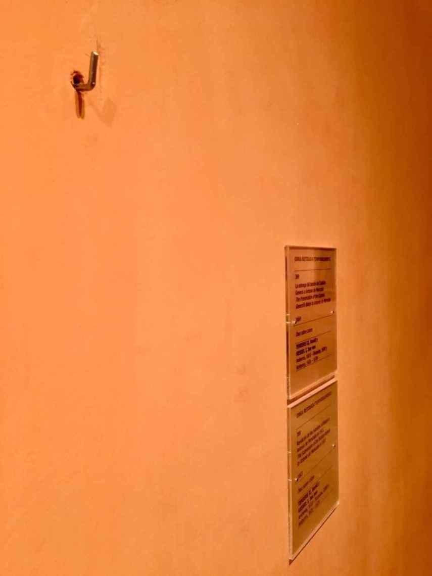 Otra imagen del estado en el que se encuentra la sala donde se exponen los Teniers.