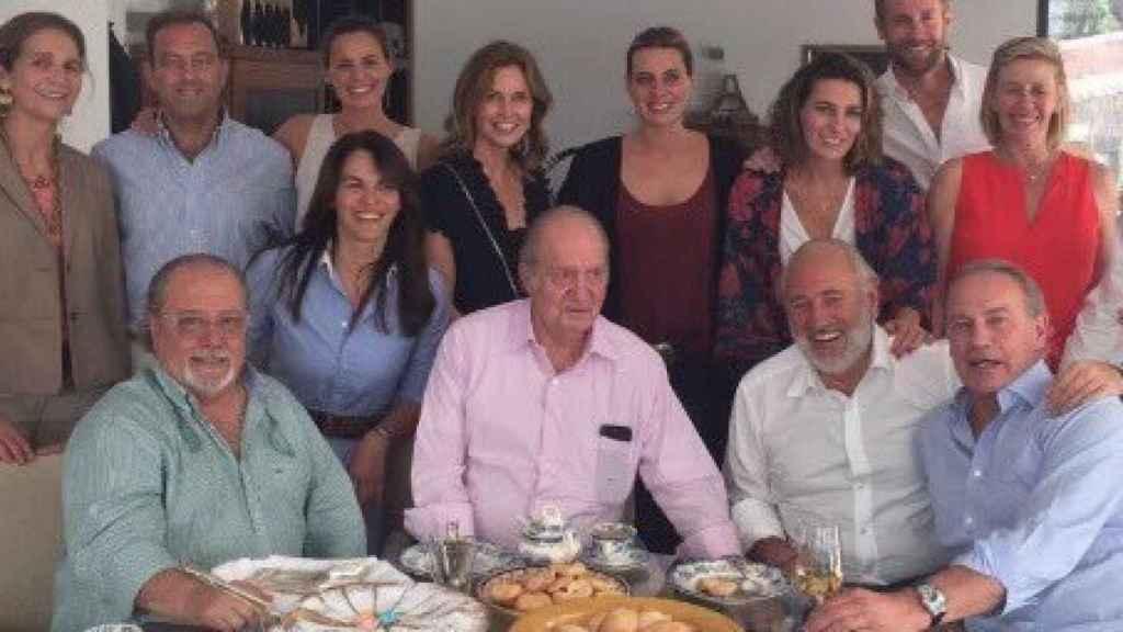 Arévalo y Bertín comiendo paella con el rey Juan Carlos