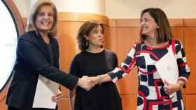 La ministra de Empleo, Fátima Báñez, y la consejera de Empleo y Políticas Sociales del gobierno vasco, Beatriz Artolazabal.