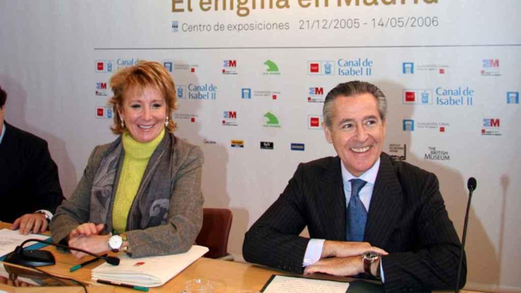 Esperanza Aguirre y Miguel Blesa durante una comparecencia en 2006.
