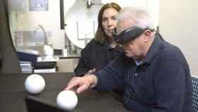 Francisco Mulet, receptor español del dispositivo de visión artificial Iris II.