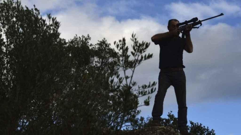 Un cazador en la Sierra Morena cordobesa, en una imagen de archivo.