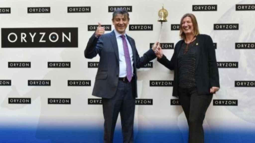 Carlos Buesa y Tamara Maes, los fundadores de Oryzon, dan la campanada en su primer día de cotización en la bolsa española, en una imagen de archivo.