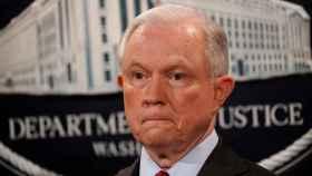 Sessions durante una rueda de prensa en Washington
