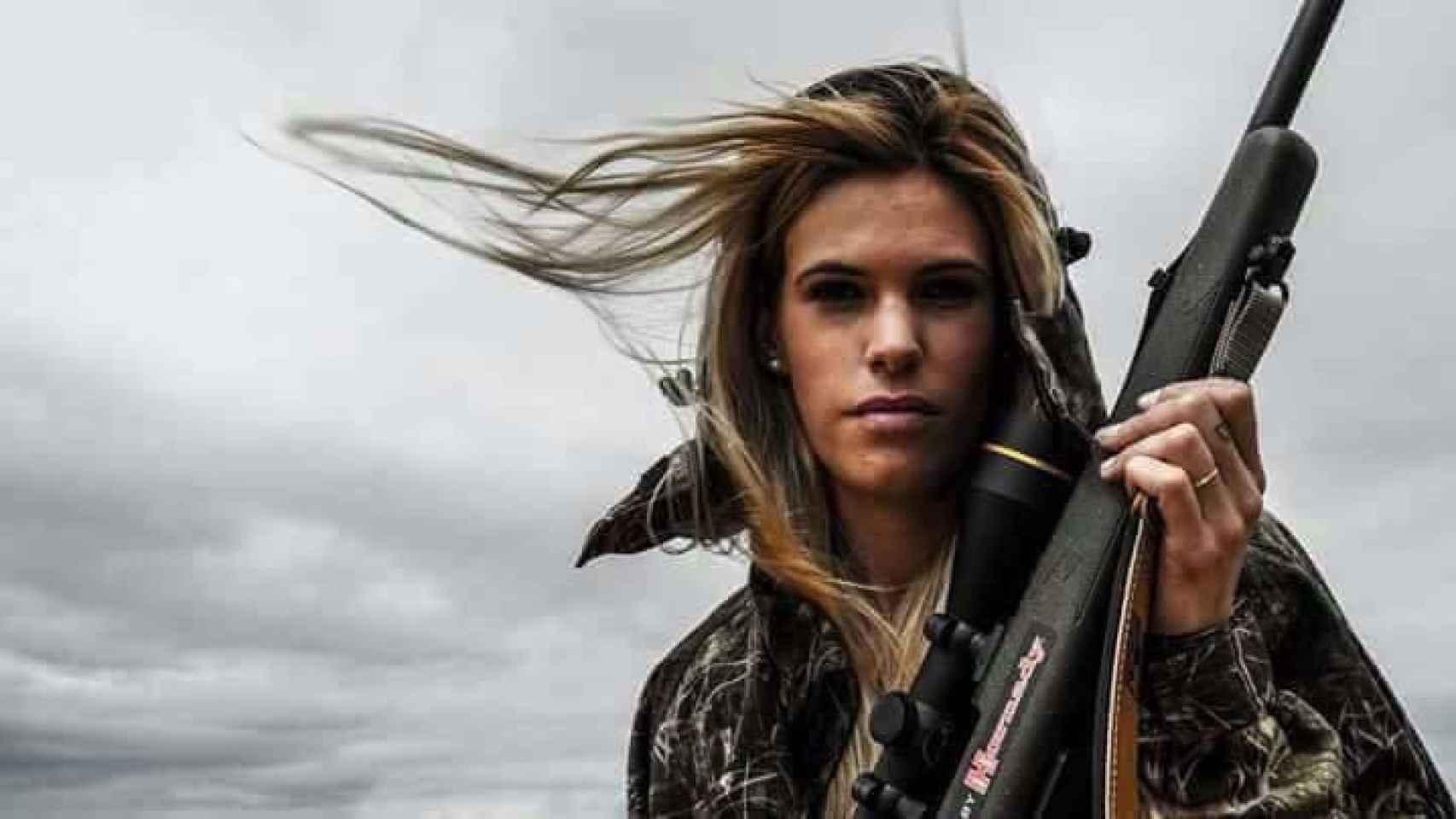 Te vamos a callar con una bala en la frente, es una de las amenazas que recibió la joven cazadora