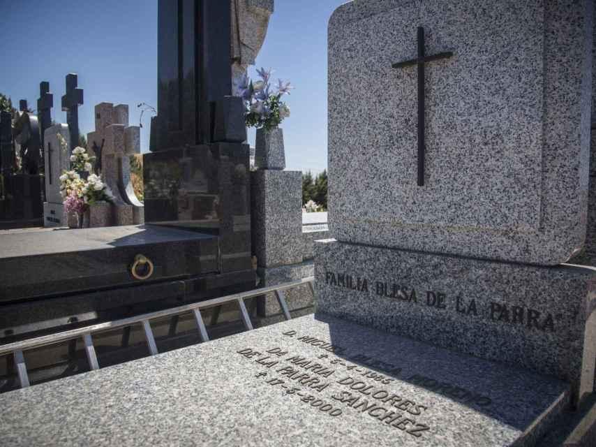 Panteón familiar de los Blesa de la Parra en el cementerio de Linares con los restos mortales de los padres del exbanquero Miguel Blesa aparecido muerto el pasado día 19 de Julio en una finca de Córdoba.