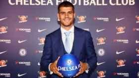 Álvaro Morata en su presentación con el Chelsea.