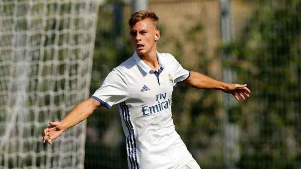 Dani Gómez celebra un gol con el Juvenil A