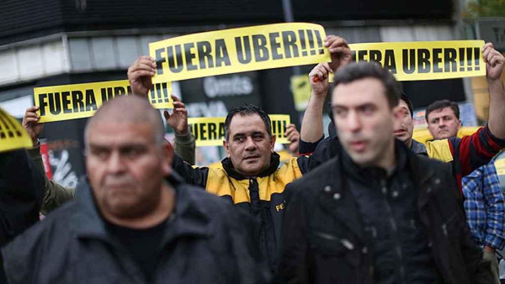 Las movilizaciones de taxistas en contra de Uber han sido numerosas en los últimos años.