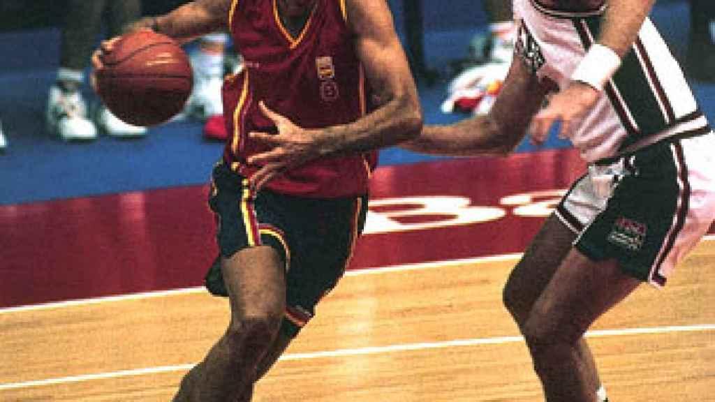 Andrés Jiménez ante Larry Bird.