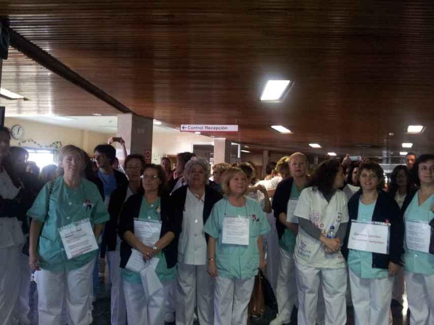 Hace tres años, en un encierro de 24 horas dentro de la residencia, Rosa y los otros enfermeros y auxiliares del centro decidieron protestar contra las condiciones laborales.