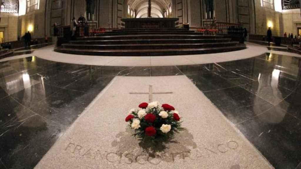 Interior del Valle de los Caídos, con la tumba de Franco.