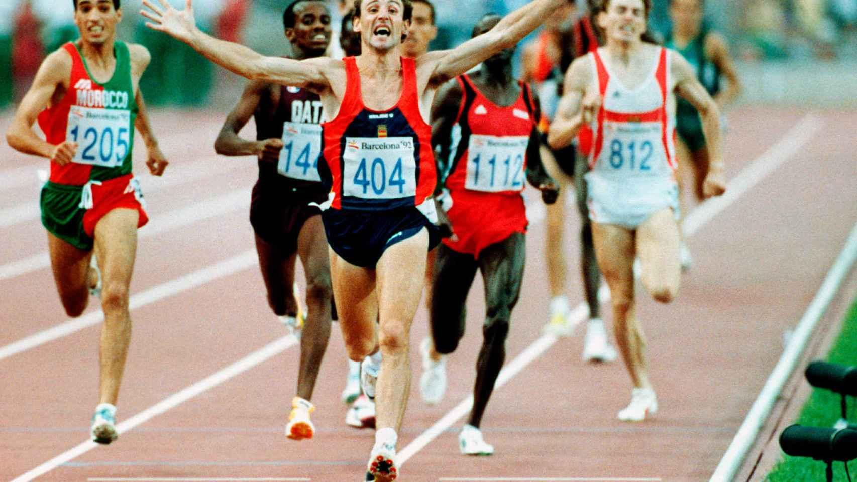 Fermín Cacho al ganar el oro olímpico en 1.500 metros.