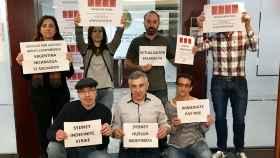 Los trabajadores del consulado de España en Sidney, durante una de sus protestas.
