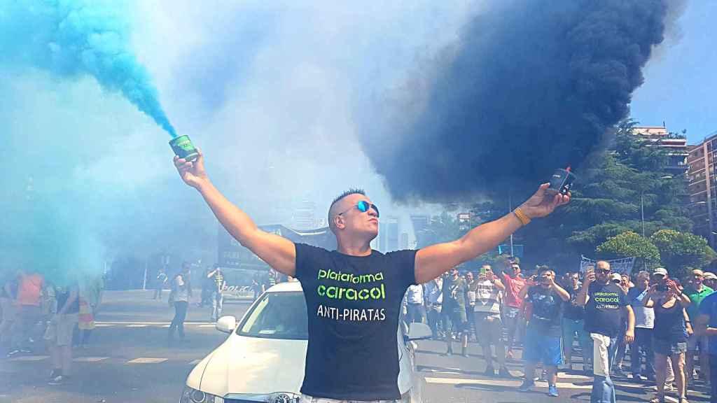 Peseto Loco durante la manifestación de hoy, en su pose clásica.