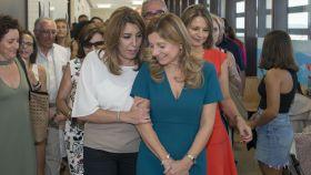 Susana Díaz durante su visita a un centro de salud en Jaén.